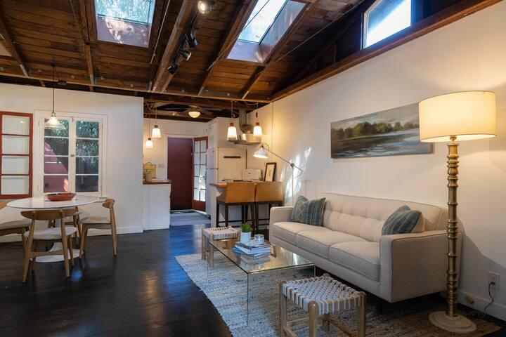 Venice Beach Private Home, Perfect Location!