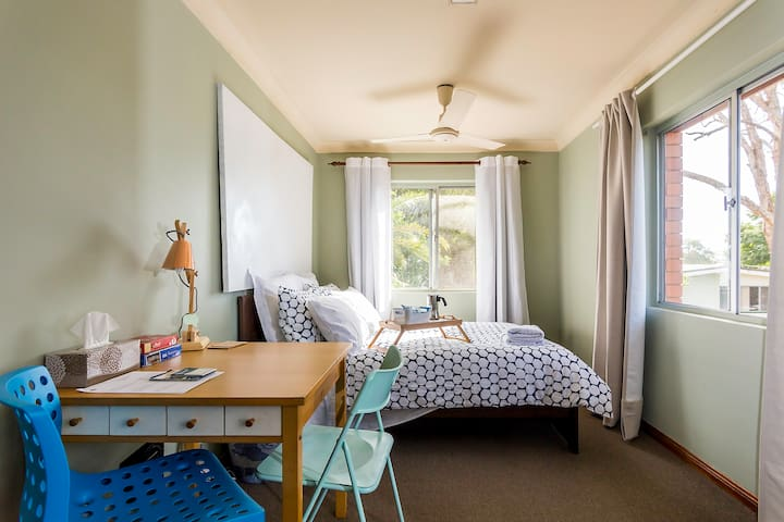 Spacious Family double room in Brisbane Bayside