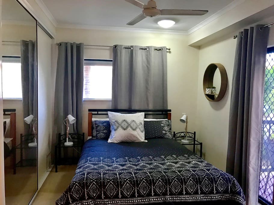 Bedroom with air conditioning and built in robe