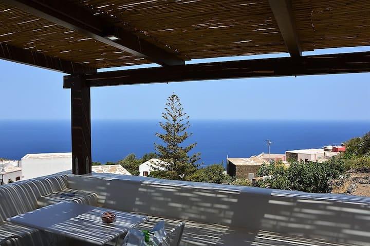 """Kammamia dammusi a Pantelleria """"3°appartamento"""""""
