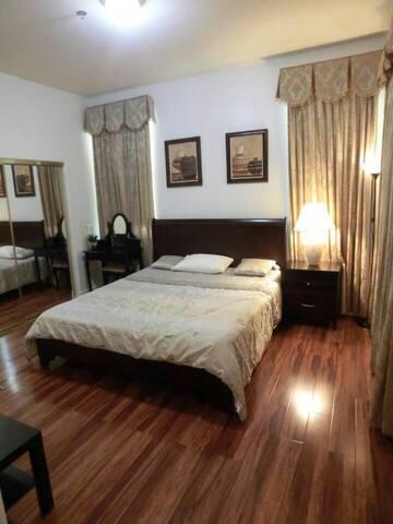 独立house后屋,独立进出,独立使用厨房和洗衣房 - Arcadia - Casa