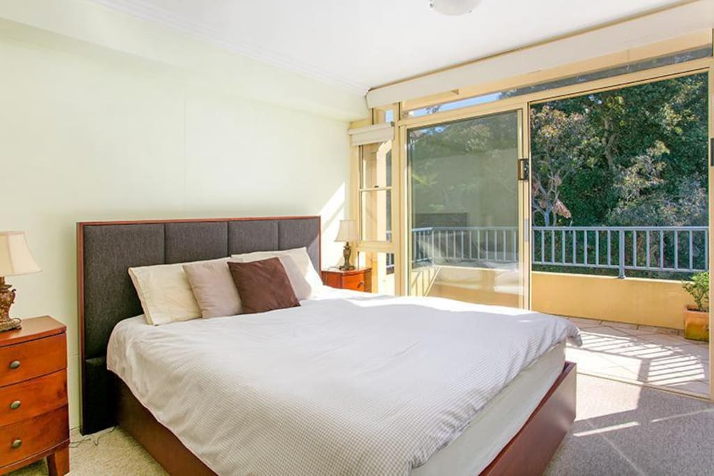Comfy bed + private balcony