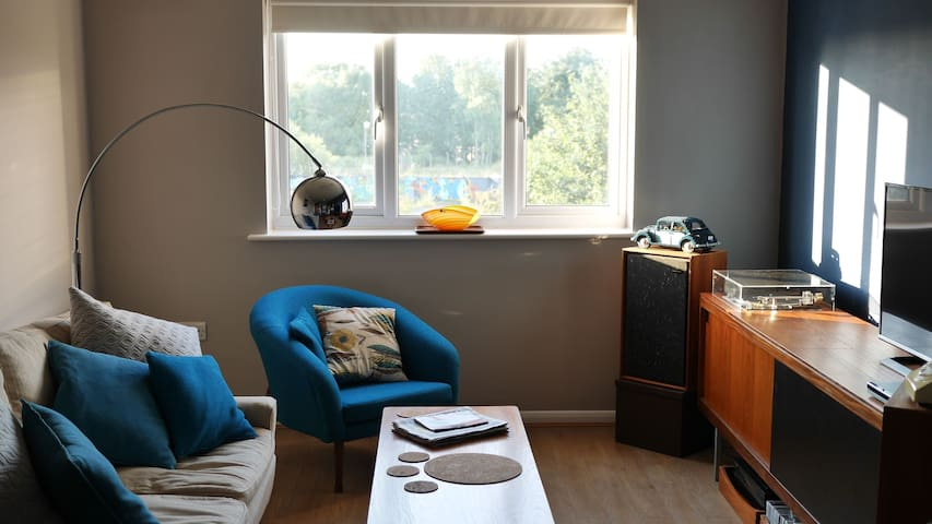 Bright modern double room 5 mins to Friargate