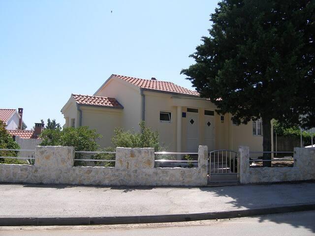 Matela apartment R
