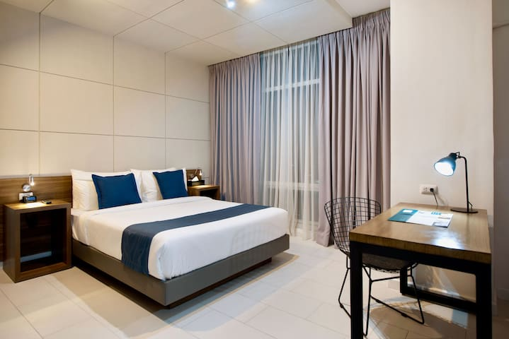 Industrial-Chic One BR Suite at Salcedo, Makati