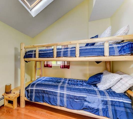 Guest room with twin bunk bed