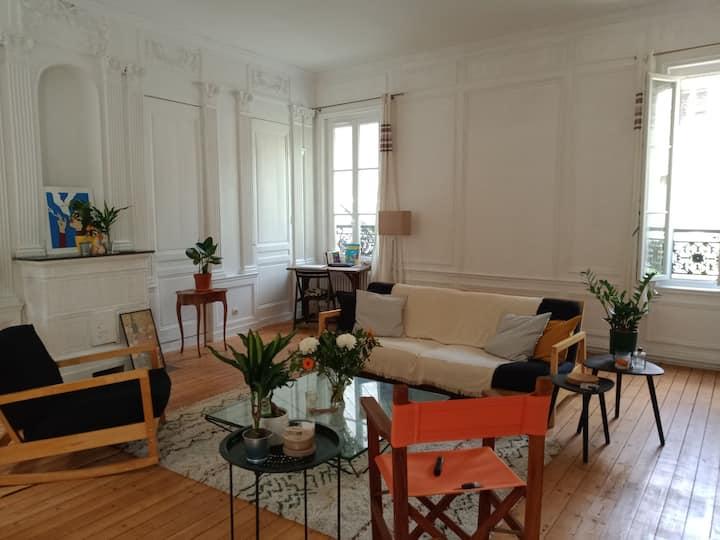 Chambre privée bel Haussmannien en centre ville