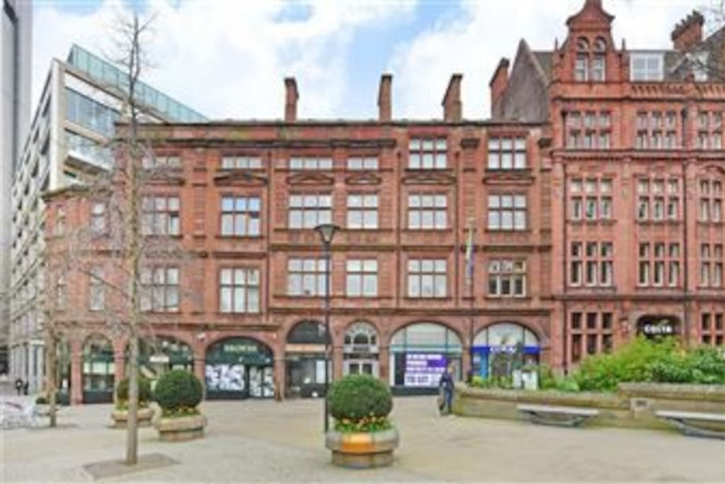 My place is located in the absolute centre of Sheffield city centre.   It is a short walk from station and very close to all amenities.