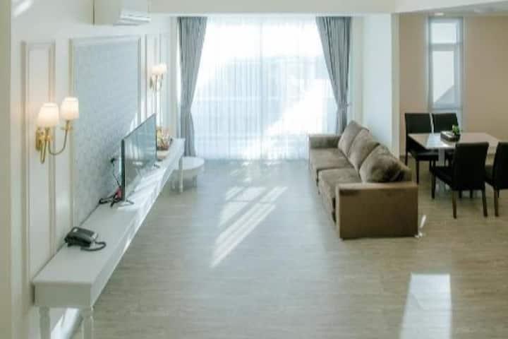 Deluxe Room - De Hug Hotel & Residence