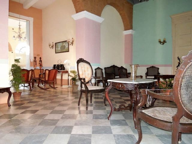 Hostal Colonial Casa Vieja (Room 1)
