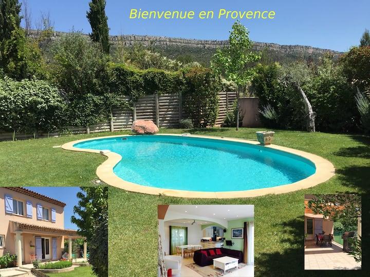 Belle Villa avec piscine près d'Aix en Provence