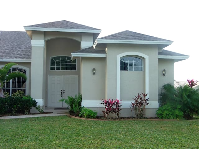 FLORIDA VACATION RENTAL - Lehigh Acres - Haus