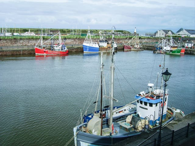 HARBOUR SIDE in Maryport, Ref 967037