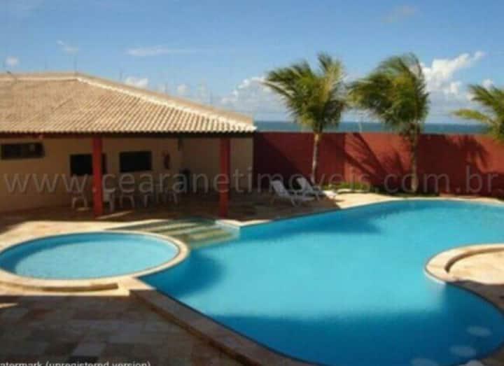 Apartamento com piscina, próximo ao beach Park
