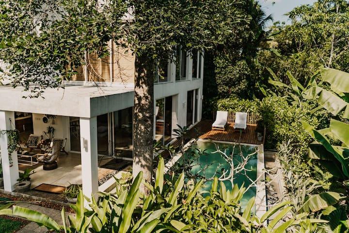 Awimbawei House, 4 Bed Jungle Villa