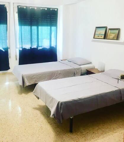Big room for two in Blasco Ibáñez I