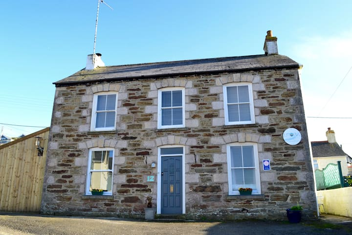 Sea Views One Bedroom self contained apartment - Perranporth - Apartment
