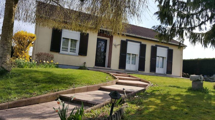 Maison entière près de Cambrai, Valenciennes