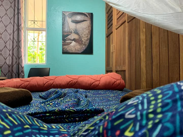 Cozy Wood Room near to ARENAL Lake CASA AIRELIBRE