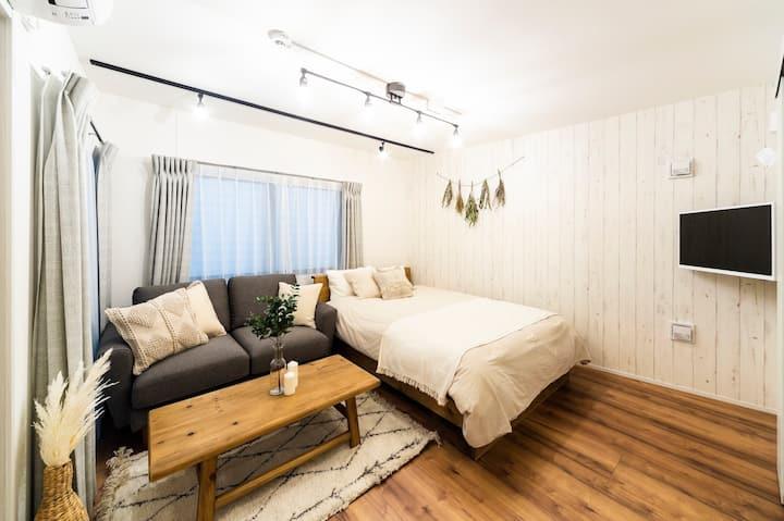 AY201*New Apt. Boho style room *Licensed*
