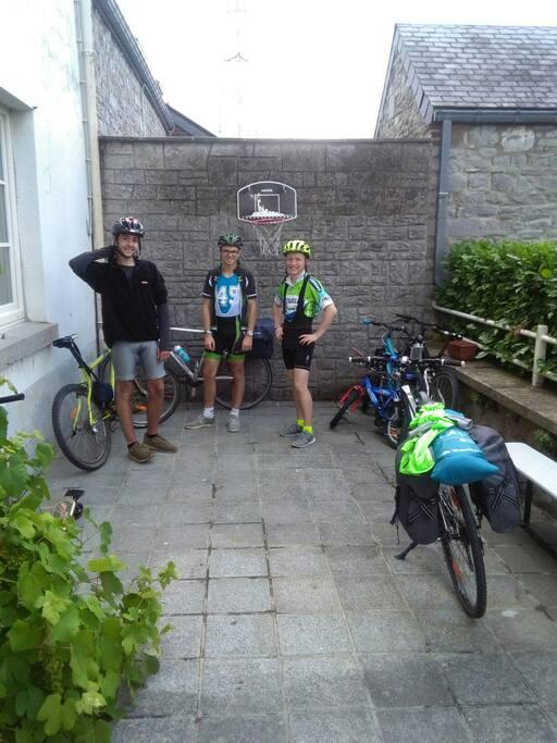 Traversée de la Belgique en Vélo, pause avant les reliefs Wallon !