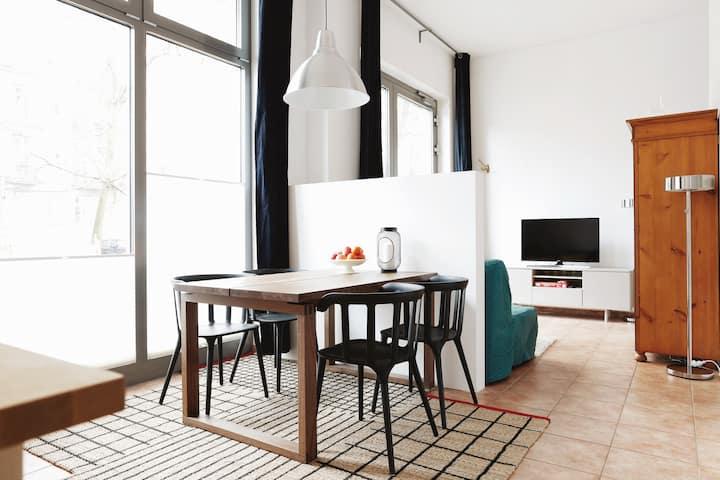 SWINE - Boutique Style Studio - ideal LONGTERM