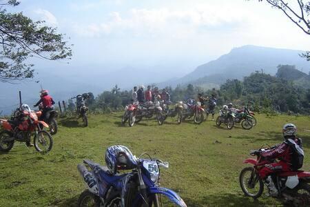 Bed&bfast/sightseeing/wander and motorbiketours