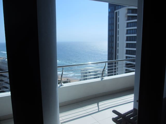 Umhlanga  Rocks - PEARL SKY-  Luxury Apartment
