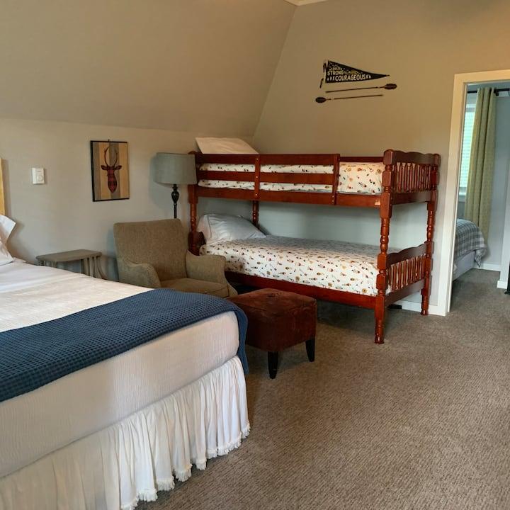 Cider Mountain Cabin 2, shared lodge amenities