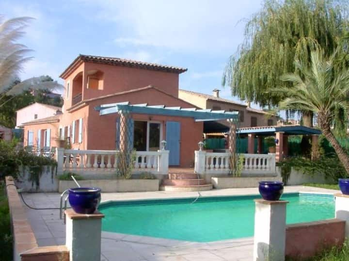 Villa with 4 bedrooms in Villeneuve-Loubet, with private pool, enclosed garden and WiFi