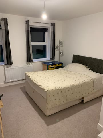 Double Room in New Build apartment in Horsham.