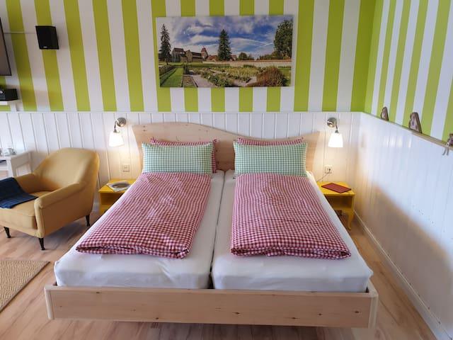 Zirbenholzbett mit Liegefläche 2 x 90 cm x 200 cm