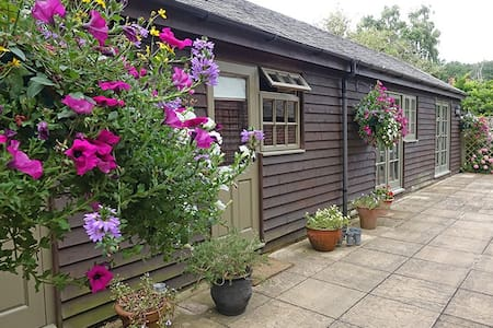 Country garden retreat near Henley on Thames