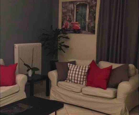 I & N Apartment in Paiania 14 min from the airport