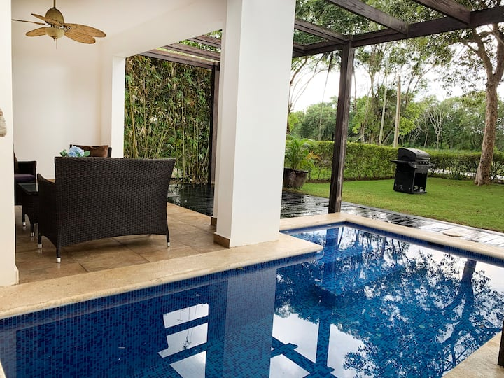 Casa del Lago 3 bed/3.5 bath w/private pool (#104)