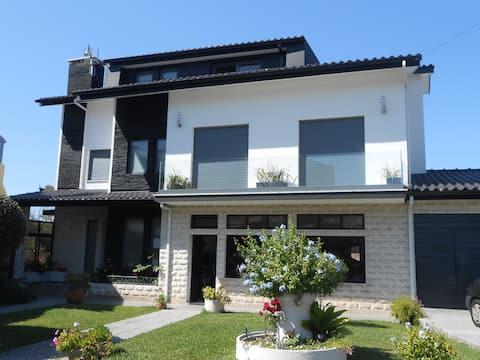 Apartamento (aprox. 110 m²)  tranquilo Aver-O-Mar