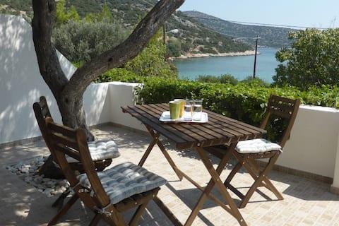 AEOLIA B Beach Apartment недалеко від Афін