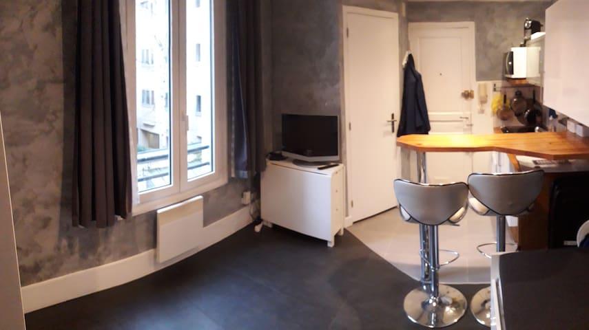 Studio in Paris Centre (Montparnasse)