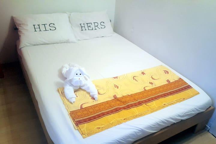 Cozy bedroom at city center Debrecen