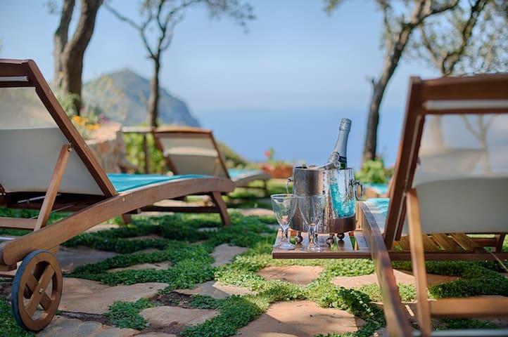 Spacious, private 4 bedroom villa close to the sea - Monte Argentario