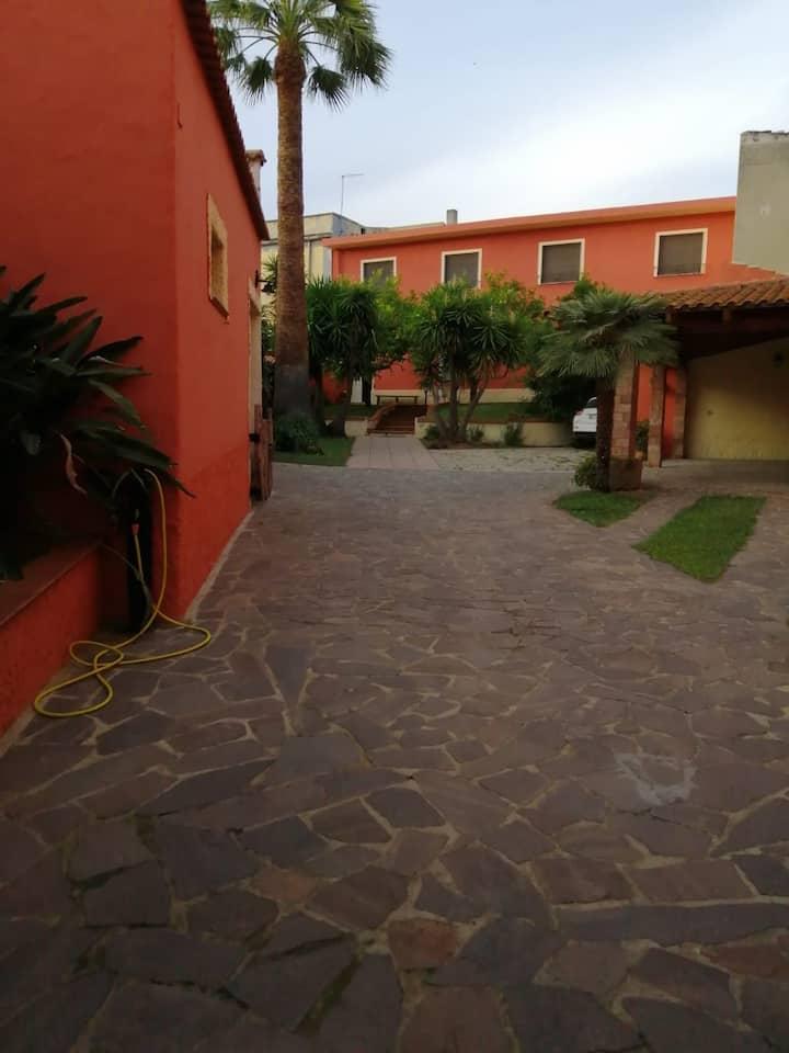 Appartamento in villa con giardino IUN P5922