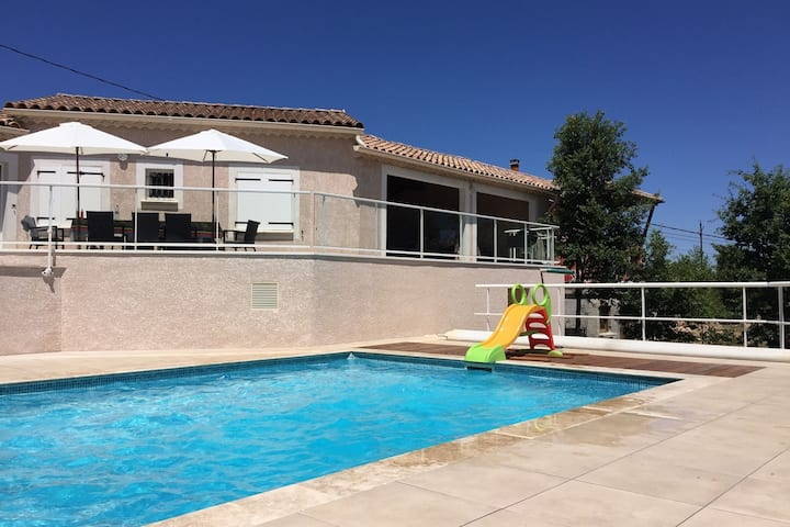 Modern villa with private pool located in the southern hills of the Ardeche
