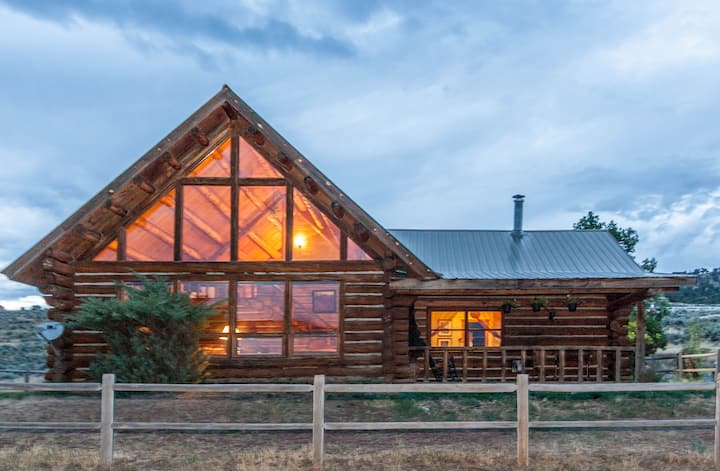 Mountain Rustic Log Home Vacation!