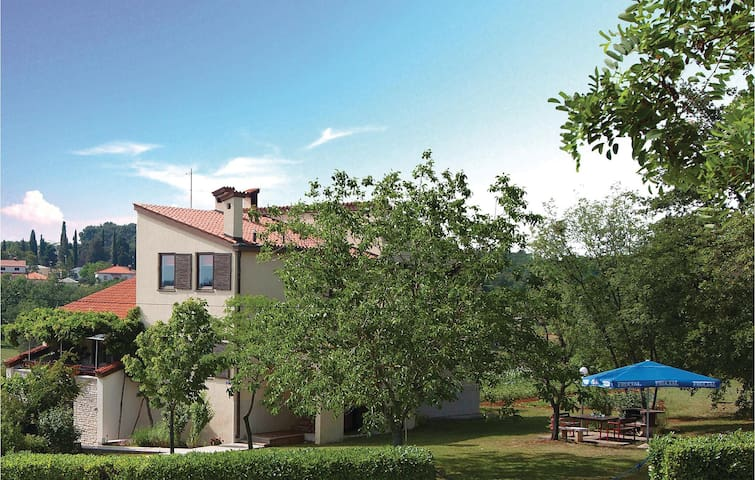 Large holiday home in rural Istria