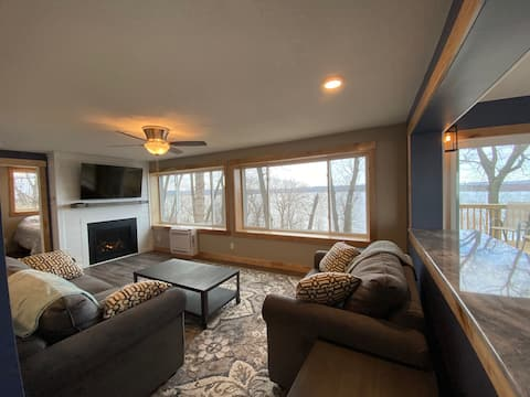 Fully Renovated Cabin w/ Amazing Lake Pepin Views