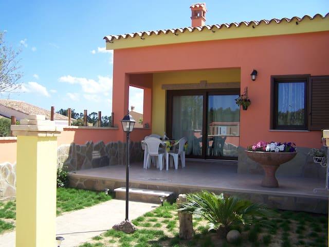 Villa Corallo - Porto Corallo - Haus