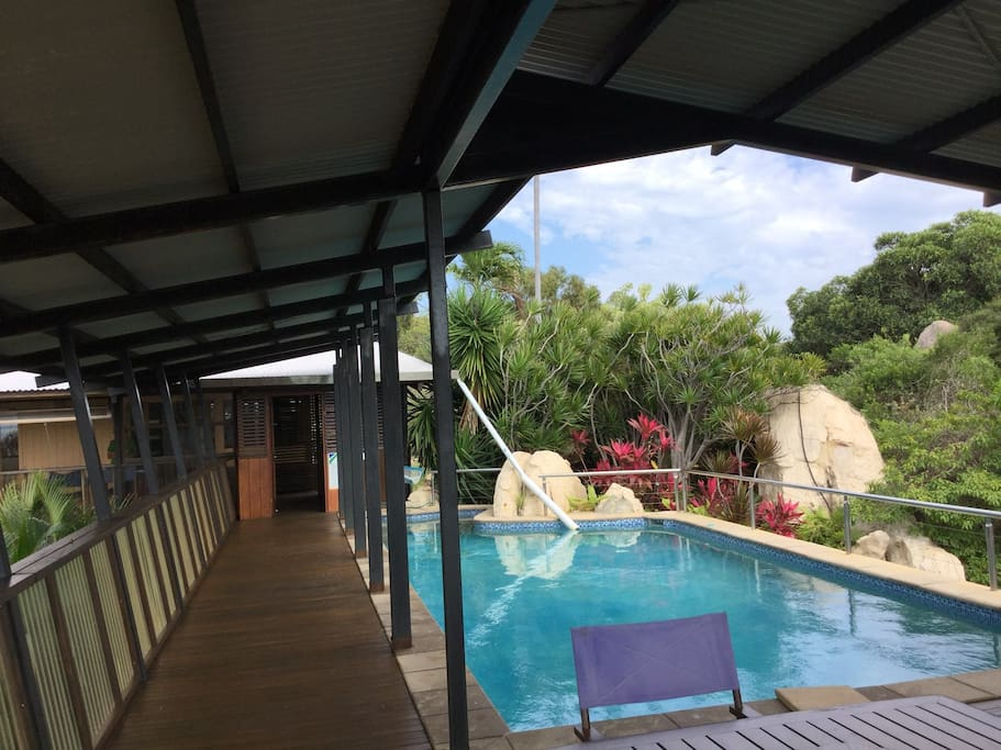 Magical treetop house with private pool, views, birds, trees, nature, tranquil