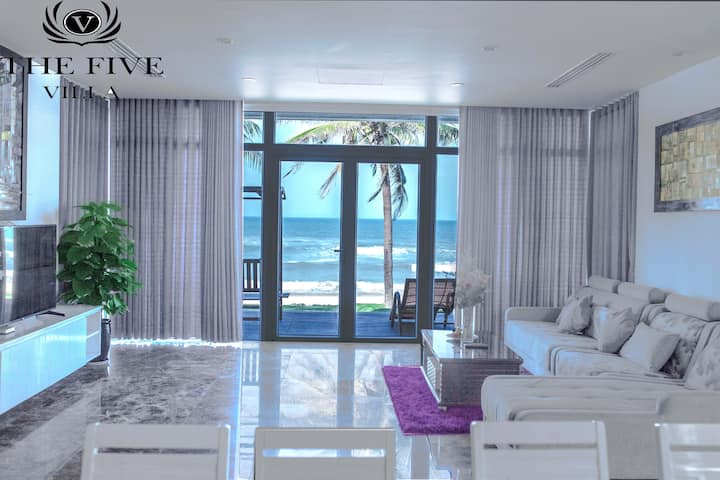 Da Nang Beachfront Villa Resort J4 w Private Pool