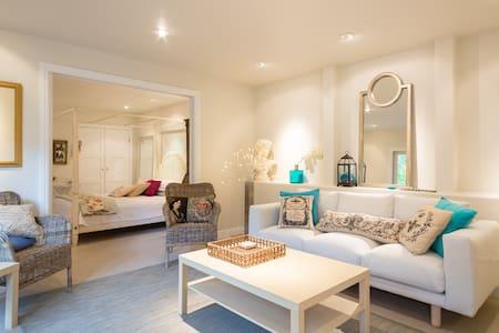 Romantic Creekside Apartment in Sylvan Setting - San Rafael - Appartement