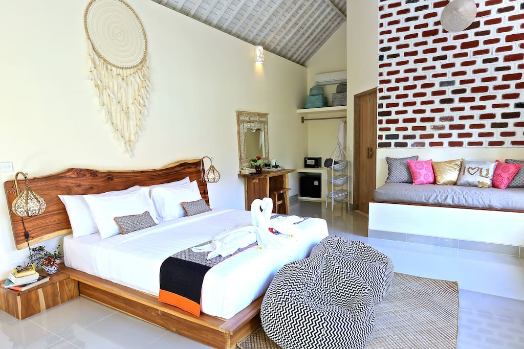 Pumpkin village have 5 private villa. Each villa have different interior. (room Size 7.5m*4.5m) This villa is available for 2 adult and 1 or 2 children. 4 adult are not available.